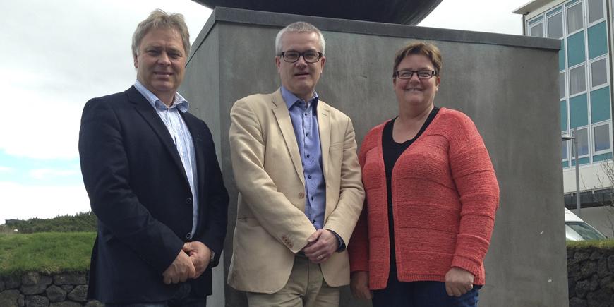 F.v.: 1. nestleder i YS, Erik Kollerud, NFS' generalsekretær, Magnus Gissler og YS-leder Jorunn Berland. Foto: Frode Sandberg