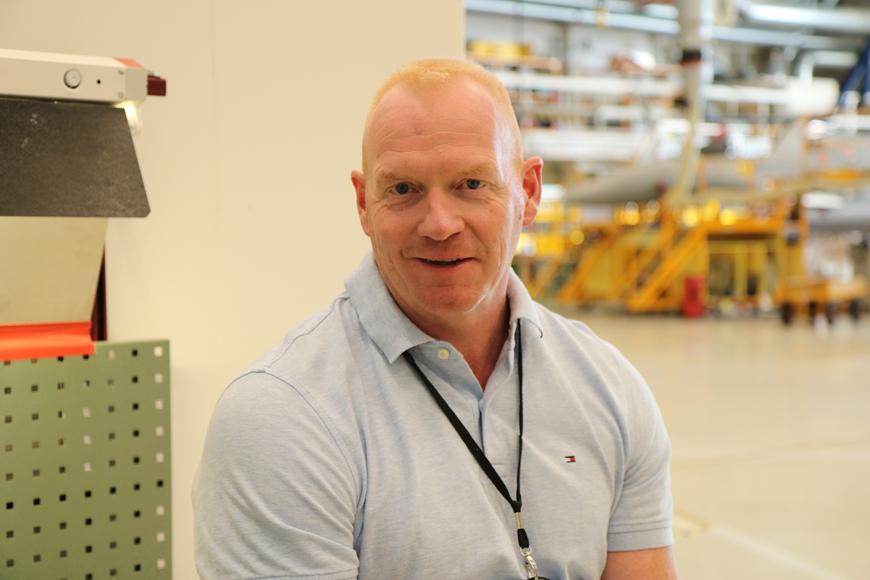 Portrett av Anders Søisdal, sjef for Flyavdelingen hos AIM Norway på Kjeller.